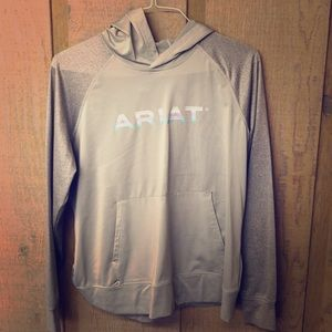 ARIAT light sweatshirt NWOT